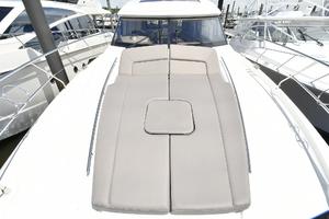 50' Prestige 500 S 2017 Foredeck Sunlounge