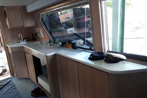 58' Hatteras Convertible 1992 POrt Cabinetry