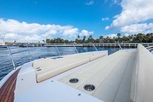 50' Azimut 50 Flybridge 2016 Foredeck Sun Pad
