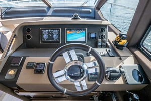 52' Azimut 50 Flybridge 2016 Lower Helm Electronics