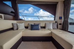 52' Azimut 50 Flybridge 2016 Salon Seating