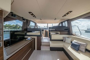 52' Azimut 50 Flybridge 2016 Salon