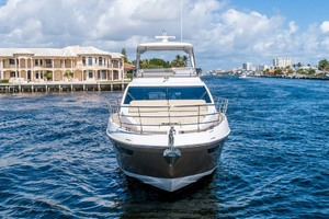 52' Azimut 50 Flybridge 2016 Bow