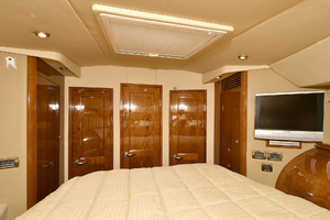 58' Sea Ray 58 Sedan Bridge 2007 VIP Stateroom - Aft View