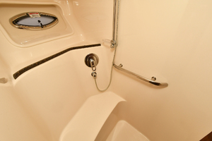 58' Sea Ray 58 Sedan Bridge 2007 Guest Stall Shower