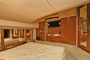 58' Sea Ray 58 Sedan Bridge 2007 Master Stateroom - Aft View