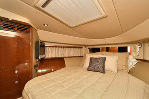 58' Sea Ray 58 Sedan Bridge 2007 VIP Stateroom
