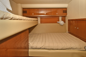58' Sea Ray 58 Sedan Bridge 2007 Guest Stateroom
