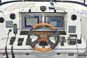 58' Sea Ray 58 Sedan Bridge 2007 Helm Station