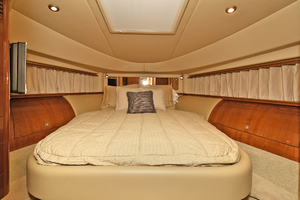 58' Sea Ray 58 Sedan Bridge 2007 VIP Stateroom - Forward