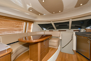 58' Sea Ray 58 Sedan Bridge 2007 Dinette