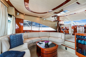 58' Fairline Squadron 2002 Main Salon