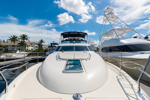 58' Fairline Squadron 2002 Foredeck