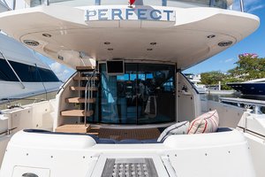 58' Fairline Squadron 2002 Aft Deck