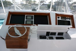 62' Titan 62 Custom Carolina Sportfish 2004 Helm and Electronics