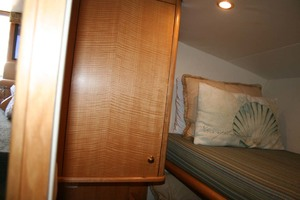 62' Titan 62 Custom Carolina Sportfish 2004 Guest/Crew Dresser and Top Bunk