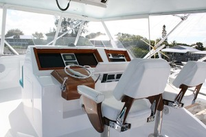 62' Titan 62 Custom Carolina Sportfish 2004 Helm Station