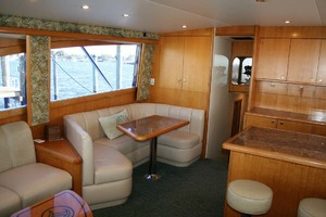 62' Titan 62 Custom Carolina Sportfish 2004 Salon Dinette