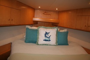 62' Titan 62 Custom Carolina Sportfish 2004 VIP Detail