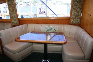 62' Titan 62 Custom Carolina Sportfish 2004 U-Shaped Dinette