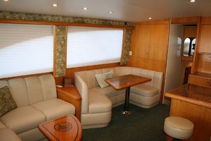 62' Titan 62 Custom Carolina Sportfish 2004 Salon Port Forward