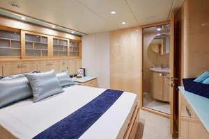 108' Johnson Skylounge 2013 Starboard Side Aft Guest Cabin