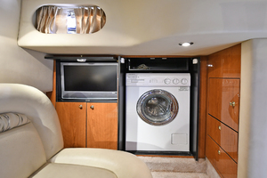 46' Sea Ray 46 Sundancer 2000 Mid-Ship Stateroom