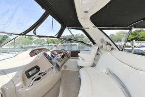 46' Sea Ray 46 Sundancer 2000 Helm Deck