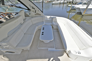 46' Sea Ray 46 Sundancer 2000 Cockpit