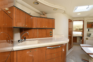 46' Sea Ray 46 Sundancer 2000 Galley