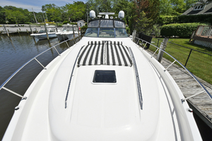 46' Sea Ray 46 Sundancer 2000 Foredeck