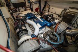 63' Hatteras 63 Cockpit Motor Yacht 1987 Stbd Engine 3