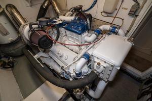 63' Hatteras 63 Cockpit Motor Yacht 1987 Stbd Engine 1