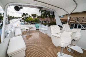 63' Hatteras 63 Cockpit Motor Yacht 1987 Helm Seating