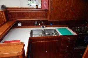 49' Nordia Van Dam 49 1989 Galley - sink