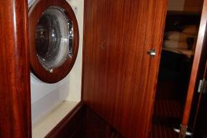 49' Nordia Van Dam 49 1989 Washer/dryer - in Passageway aft