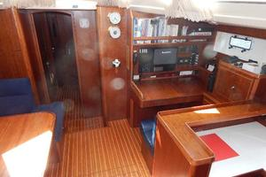 49' Nordia Van Dam 49 1989 Salon to Starbd