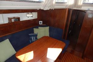 49' Nordia Van Dam 49 1989 Dinette -to Port
