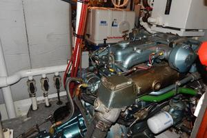 49' Nordia Van Dam 49 1989 Engine room-2