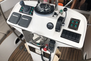73' Sensation Yachts  1997 Opus 73 controls
