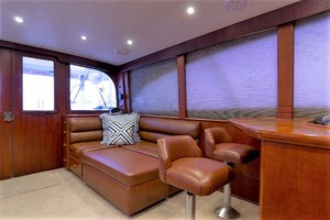 58' Garlington 58 Convertible 1988 Port Salon