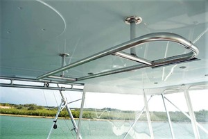 58' Garlington 58 Convertible 1988 Helm Grab Rail