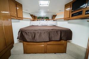 58' Viking 58 Convertible 2000 VIP Stateroom Forward