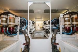 58' Viking 58 Convertible 2000 Engine Room