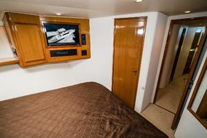 58' Viking 58 Convertible 2000 VIP Stateroom Facing AFt