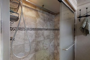 74' Pershing 74 2016 Master Shower