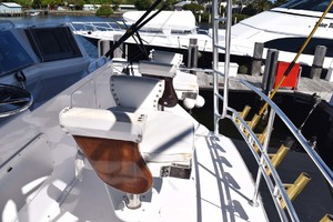 60' Bertram 60 Convertible 1998 Lee Heavy Duty Rod Holders