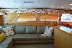 60' Bertram 60 Convertible 1998 Salon Couch