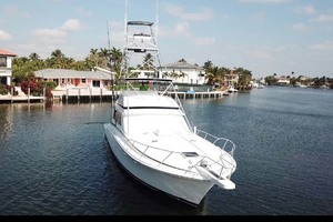 60' Bertram 60 Convertible 1998 Bow View
