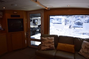 60' Bertram 60 Convertible 1998 Salon Door and Window View